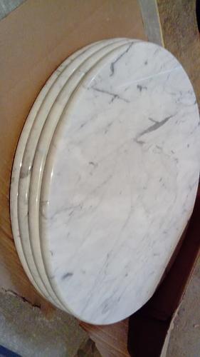 Столешницы круглые из мрамора Бьянка Каррара